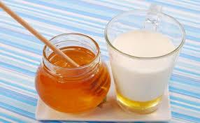 ¿Por qué es bueno tomar leche con miel para quedar embarazada?